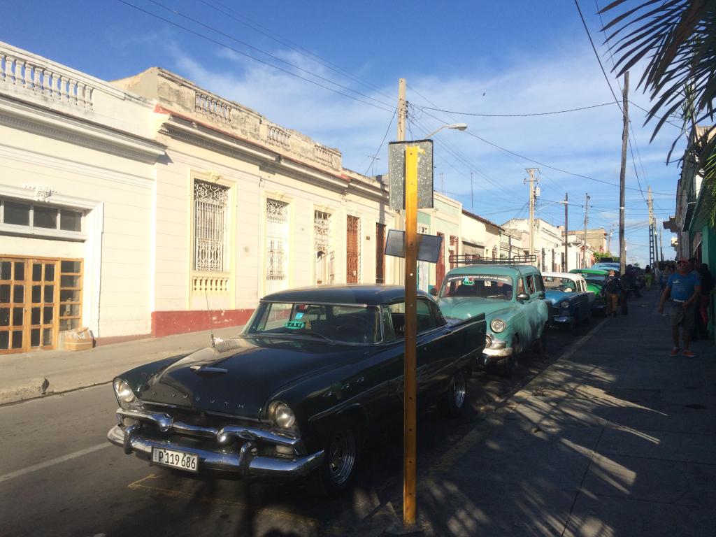 Leigubílaröð í Cienfuegos